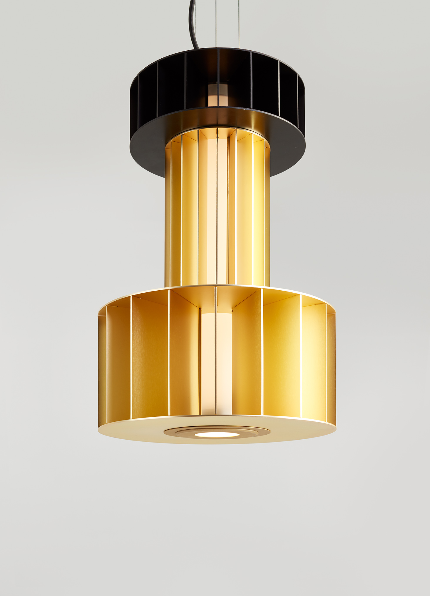 Parachilna Babel chandelier black gold finishes